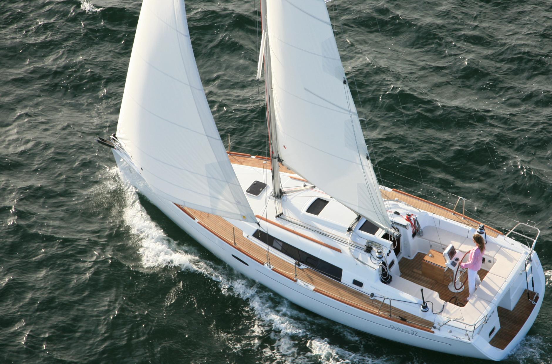 Beneteau-Oceanis-37-1