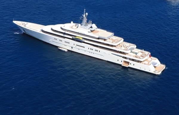 Si vous aimez les bateaux, vous allez apprécier cette liste des 5 bateaux les plus luxueux, concoctée par Set Sail.