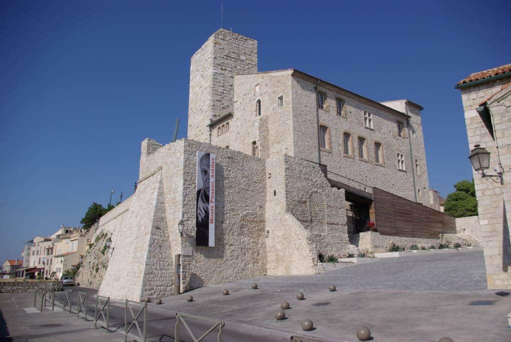 Musée Picasso dans la ville d'Antibes sur la côte d'Azur
